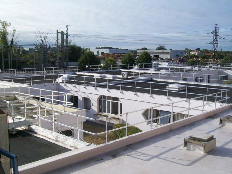 Garde corps et rembarde en aluminium sur toit
