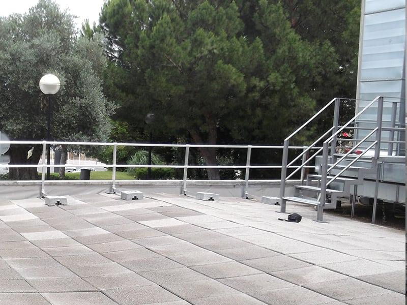 Garde corps installer sur une toiture plate
