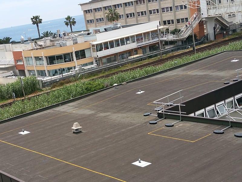 balisage d'un toiture pour assurer la sécurité des opérateurs évoluant sur toiture