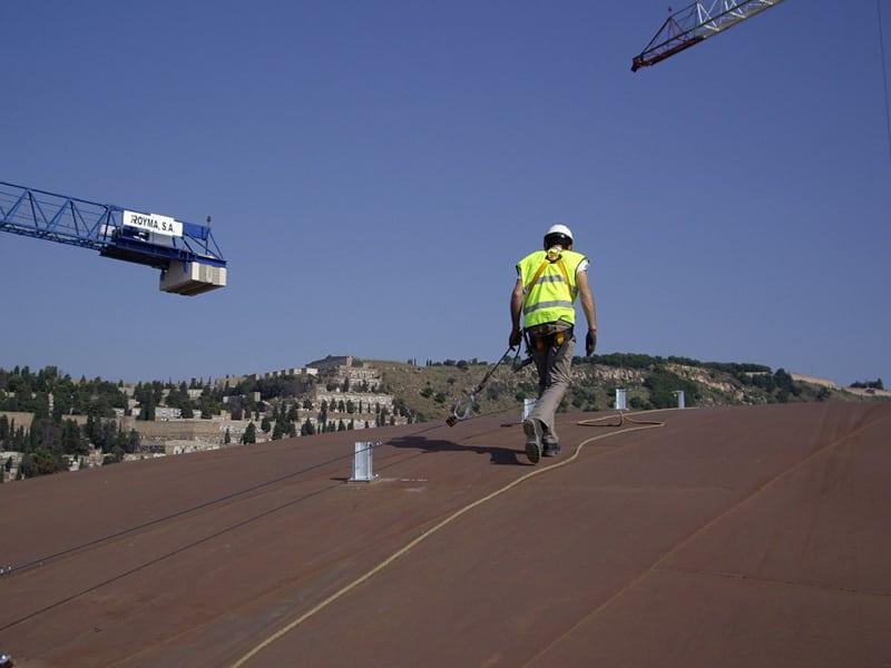 Éviter les chutes de hauteur avec une ligne de vie