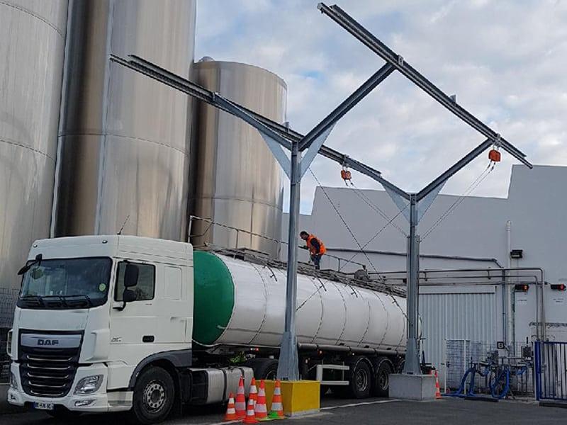 portique pour sécuriser les interventions sur camions et le travail en hauteur