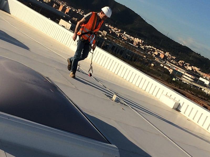 Ligne de vie cable sur toit