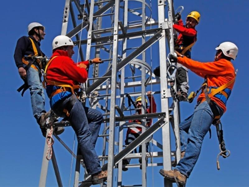 formation travail sur pylone de télécom