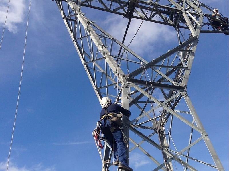 accès en hauteur et pylone tht