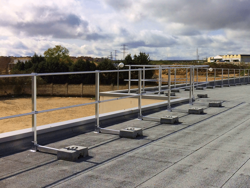 Garde corps pour sécurirser toiture terrasse